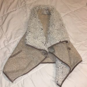 Fashion Vest with faux fur detail
